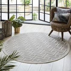 Bring your indoor style outdoors with the round rugs from Flair Rugs' super stylish Piatto range. Composed in 100% polypropylene, this range is weather-proof and highly durable, perfect for outdoor living or kitchens and high-traffic areas indoors. Don't stress about mess, this range is easy to clean with a quick hose down. The ideal choice for adding some summery yet sophisticated style both indoors and outdoors.
