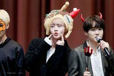 Jin and Suga! YOONJIN! ❤ BTS at the Jongro Fansign #BTS #방탄소년단