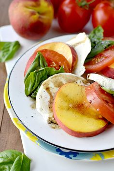 peach caprese salad + 4 other delicious vegetarian recipes in this week's meal plan | Rainbow Delicious