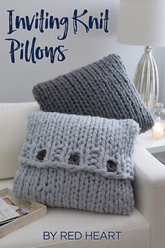 Inviting Knit Pillows free knit pattern in Irresistible yarn. Pillows are especi. Inviting Knit Pillows free knit pattern in Irresistible yarn. Pillows are especially good at helping your body to find t. Easy Knitting Projects, Knitting Blogs, Easy Knitting Patterns, Knitting For Beginners, Knitting Stitches, Free Knitting, Crochet Projects, Crochet Patterns, Start Knitting