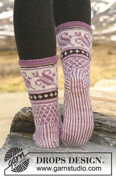 """Knitted DROPS Socks with pattern in """"Karisma"""". Knitting Patterns Free, Free Knitting, Crochet Patterns, Drops Design, Knit Mittens, Knitting Socks, Magazine Drops, Knit Picks, Slipper Socks"""