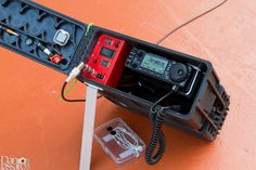 Ham radio GoBox in ammo can Radios, Diy Electronics, Electronics Projects, Ham Radio Kits, Portable Ham Radio, Radio Amateur, Communication, Ham Radio Antenna, Ammo Cans