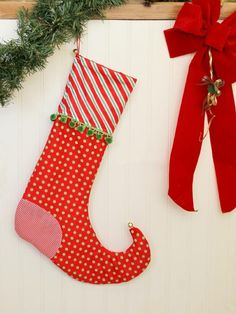 Find simple-sew and no-sew instructions for crafting holiday stockings. Choose from a variety of styles and fun designs, including rustic burlap, lacy ruffles, colorful ombre, wooly fleece and more.