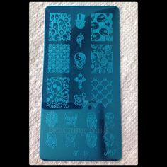 http://myonlineshop.storenvy.com/collections/234028-all-products/products/5240635-jr-image-plate-set-2
