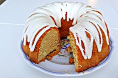 This classic old fashioned Southern Buttermilk Pound Cake is tangy, moist, and flavorful and topped with a vanilla sweet cream glaze. Best Easy Dessert Recipes, Great Desserts, Sweet Recipes, Snack Recipes, Cooking Recipes, Snacks, Buttermilk Pound Cake, Tooth Cake, Glaze Recipe