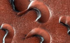 Gullies on Mars | picture of gullies on Mars