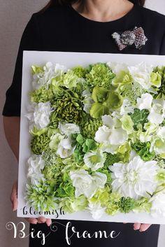 大きなフレームアレンジ♪インストラクターコース資格取得 | 東京目黒フラワーアレンジメント教室スクール資格取得ブルーミッシュbloomish Flower Box Gift, Flower Boxes, Flower Frame, Flower Art, Artificial Flower Arrangements, Artificial Flowers, Floral Arrangements, Flower Crafts, Diy Flowers