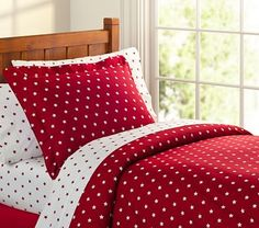 Organic Star Duvet Cover & Standard Sham from Pottery Barn Kids. Available in Navy, Red, Chocolate. Star Bedding, Quilt Bedding, Bedding Sets, Red Duvet Cover, Duvet Covers, Trendy Bedroom, Bedroom Boys, Baby Furniture, New Room