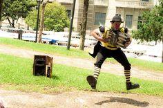 O palhaço Abel que se apresenta no Festival de Teatro de Curitiba conta sobre sua trajetória.