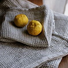Another shop to check out next time I'm in Japan: Fog Linen - Linen Waffle Towels: Natural