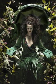 Eugenio+Recuenco+The Green Witch, The Dancing Witch and The Magic Circle Foto Fantasy, Fantasy World, Dark Fantasy, Fantasy Art, Wicca, Fantasy Photography, Fashion Photography, Conceptual Photography, Portraits