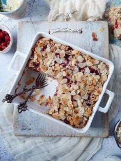 MIGDAŁOWO-MALINOWA PIECZONA OWSIANKA – Tetiisheri Cereal, Oatmeal, Meals, Cooking, Breakfast, Desserts, Recipes, Food, Cakes