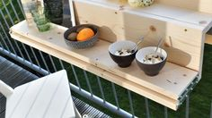 Klein balkon? Deze opklapbare balkontafel wil je hebben - Roomed Terrazzo, New Homes, Gardening, Ideas, Pinterest Board, Miniatures, Small Balconies, Lawn And Garden, Thoughts