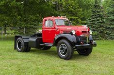 1947 Dodge WJA Semi Tractor http://www.garyalannelson.com/images/large/VT-11-65-DO.jpg