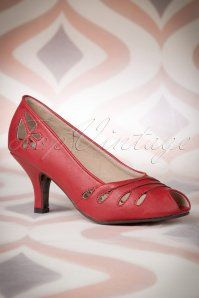 Bettie Page Shoes Evie Red Pump 403 20 14273 04082015 01W