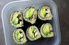 Snack Recipe: Quinoa Sushi Rolls Quinoa Sushi Rolls - yum, I like quinoa more than rice.Quinoa Sushi Rolls - yum, I like quinoa more than rice. Quinoa Sushi, Avocado Quinoa, Healthy Sushi, Healthy Lunches, Healthy Foods, Healthy Eating, Vegetarian Quinoa Recipes, Vegan Recipes, Snack Recipes