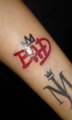 Red Ink Tattoos, M Tattoos, Sleeve Tattoos, Creative Tattoos, Unique Tattoos, Small Tattoos, Chanel Tattoo, Marilyn Tattoo, Michael Jackson Tattoo