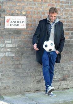 Jurgen Klopp pictured filming new Philips advert on the streets of Liverpool