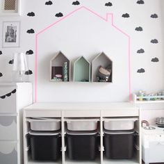 mommo design: HACK AND PLAY - Trofast toys storage house