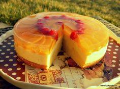 Vanilla cream and peach cake Romanian Desserts, Romanian Food, Lucky Cake, Peach Cake, Love Is In The Air, Sweet Tarts, Pie Dessert, Food Cakes, Tortellini
