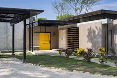 Gallery of Yellow Door House / NiHu Arquitectos - 15