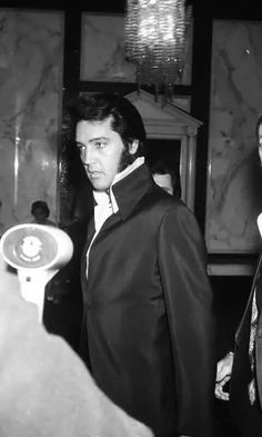 """Another Pinner stated: """"OMG ... what presence!! Elvis Presley at a Nancy Sinatra show at Caesar's Palace in Las Vegas, Nevada : August 6, 1970. #ElvisSerendipity #Elvis #Presley The King of Rock and Roll"""""""