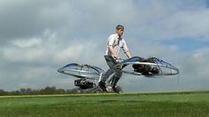 An amateur backyard inventor has created a functional 'hoverbike' that looks alarmingly like a flying blender. Hover Bike, Lifestyle Sports, Le Point, Real Life, Backyard, Car, Design, Tech News, Viral Videos