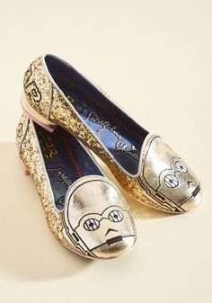 Thank the Maker Flat in C-3PO. Go above and beyond unit protocol with these gold C-3PO flats by Irregular Choice! #gold #modcloth