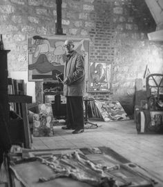 Iconic master Le Corbusier in his atelier / photo for @life