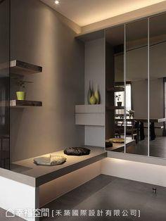 Herzu Design - My Interior Design Ideas Entrance Design, House Entrance, Sas Entree, Interior Architecture, Modern Interior Design, Vestibule, Cabinet Design, Interiores Design, Home Renovation