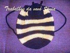 Trabalhos da vovó Sônia: Bolsa-mochila infantil abelhinha - crochê