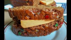 Jamaican Spice Bun Recipe, Jamaican Recipes, Easter Bun, Cheese Ingredients, Meatloaf, Cheddar Cheese, Raisin, Spices, Make It Yourself