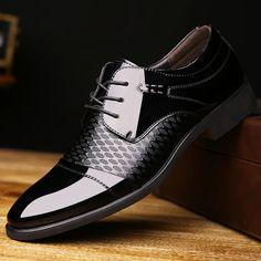 Vintage Genuine Leather Men Business Shoes Derby Black Patent Leather Pointed Toe Dress Shoes Mens Wedding Burgundy Calcados