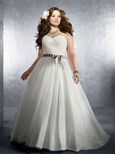 Alfred Angelo Bridal Style 2212 from Plus Size Wedding Dresses and Bridal Gowns Plus Size Brides, Plus Size Wedding Gowns, Plus Size Dresses, Simple Dresses, Perfect Wedding Dress, Wedding Dress Styles, Dress Wedding, Maternity Wedding, Dress Prom