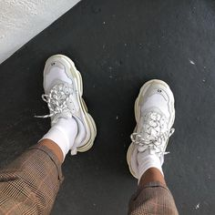 96dabac50c1d9a hat do you think about dad shoes❓➖ Balenciaga Triple S White (2018)