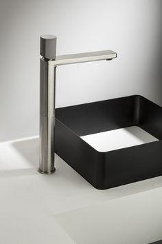 Mezclador sobre encimera con mando en cemento HAPTIC Mezclador monomando lavabo by RUBINETTERIE RITMONIO diseño Ritmonio DesignLAB
