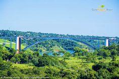 A Ponte da Amizade, construída em 1962, une Brasil e Paraguai. Nela circulam centenas de pessoas diariamente. Conheça Foz do Iguaçu >>> http://www.guiaviagensbrasil.com/pr/foz-do-iguacu/