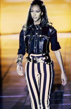 #GianniVersace #versacevintage #Iman #catwalk #Versace #vintage