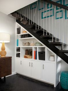 Cabinet under stairs and other solutions as they provide more storage space - New Deko Sites Cabinet Under Stairs, Closet Under Stairs, Basement Stairs, Staircase Storage, Stair Storage, Staircase Design, Decor Scandinavian, Home Decor Bedroom, Bedroom Ideas