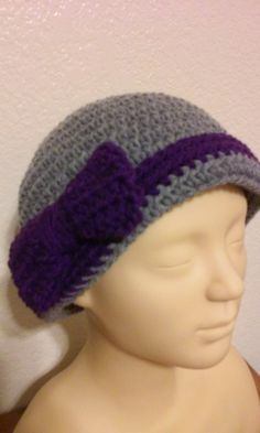 Ladies Hat / Beanie / Flapper style Beanie / Gray Beanie / Crochet Beanie with Bow by GrammaLeas on Etsy