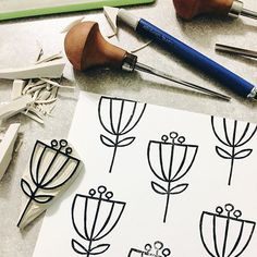Fall flowers during some October showers! Diy Stamps, Handmade Stamps, Stamp Printing, Printing On Fabric, Screen Printing, Eraser Stamp, Stamp Carving, Fabric Stamping, Flower Stamp