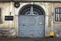 Cluj.com Garage Doors, Outdoor Decor, Home Decor, Decoration Home, Room Decor, Home Interior Design, Carriage Doors, Home Decoration, Interior Design
