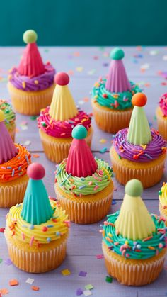 Cake Decorating Kits, Wilton Cake Decorating, Cake Decorating Techniques, Buttercream Decorating, Cupcake Frosting, Cupcake Cookies, Cupcake Liners, Cake Mix Recipes, Cupcake Recipes