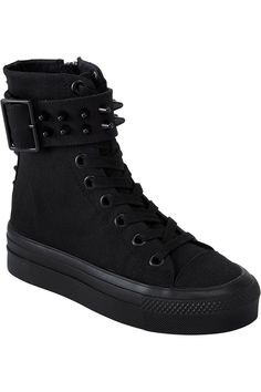 Skate, Emo Fashion, Fashion Boots, London Fashion, Sock Shoes, Shoe Boots, All Black Sneakers, High Top Sneakers, Cute Emo Outfits