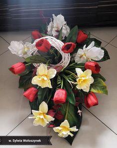 Kompozycja nagrobna wiosna 2018 wyk. Sylwia Wołoszynek Diy Flowers, Centerpieces, Floral Wreath, Wreaths, Decoration, House, Ideas, Flower Vases, Decor