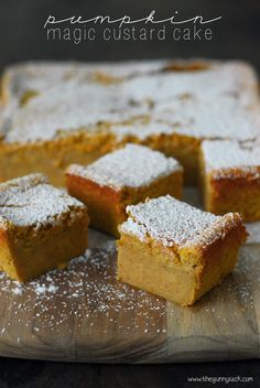 It's such a share-able dessert!This Pumpkin Magic Custard Cake recipe is like pumpkin pie without the crust! Pumpkin Recipes, Fall Recipes, Sweet Recipes, Holiday Recipes, Köstliche Desserts, Delicious Desserts, Dessert Recipes, Drink Recipes, Dinner Recipes