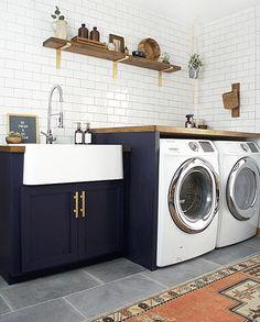 Lavanderia em tons de azul e branco. Antes e depois lavanderia. #lavanderia #areadeservico #laundry #decor