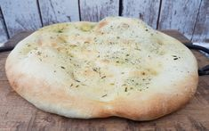 Perfect flatbread recipe for the Thermomix® - Lunch Snacks Baked Chicken Recipes Quick, Ground Beef Recipes Easy, Whole30 Recipes Lunch, Vegetarian Crockpot Recipes, Easy Cheap Dinner Recipes, Pampered Chef, Vegan Snacks, Smoothie Recipes, Food