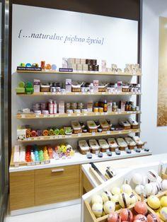 Wyposazenie sklepu z kosmetykami Organique / Shop equipment Organique /     http://dekam.pl/projektowanie-i-wyposazenie-sklepow/organique