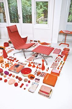 photos were taken by Ingmar Swalue and styled by Emmeline de Mooij for Vitra's Eames Aluminum chair brochure. Home Modern, Mid-century Modern, Pantone, Things Organized Neatly, Cafe Chairs, Dining Chairs, Modern Graphic Design, Chair Design, Decoration